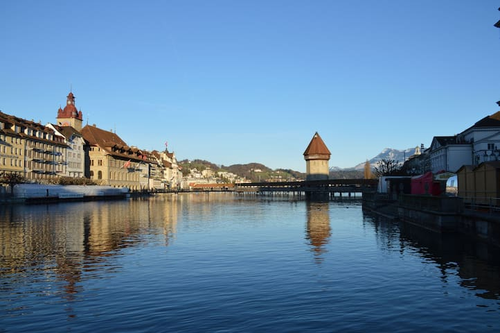 Big, quiet apartment @ 20 min. walk to city centre - Luzern - Appartement