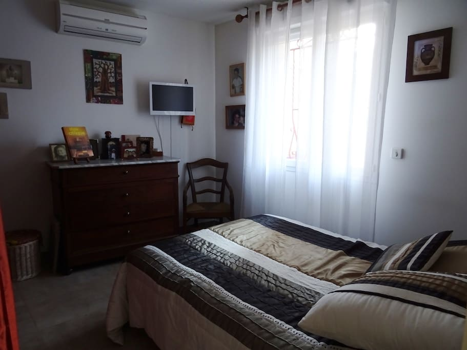 Bed and breakfast dans maison chambres d 39 h tes louer for Chambre d hote marseille