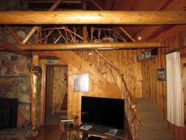 Country Cabin - Sleeps 6/Walk to Mack's Inn