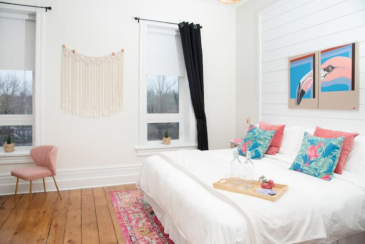 Boutique Stay in Charming Port Dalhousie - Room F