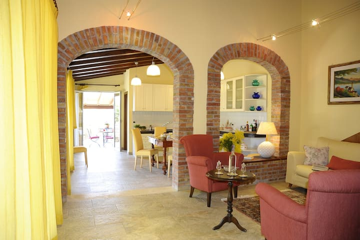 House with 2 bedrooms in Monreale, with furnished terrace and WiFi - 28 km from the beach