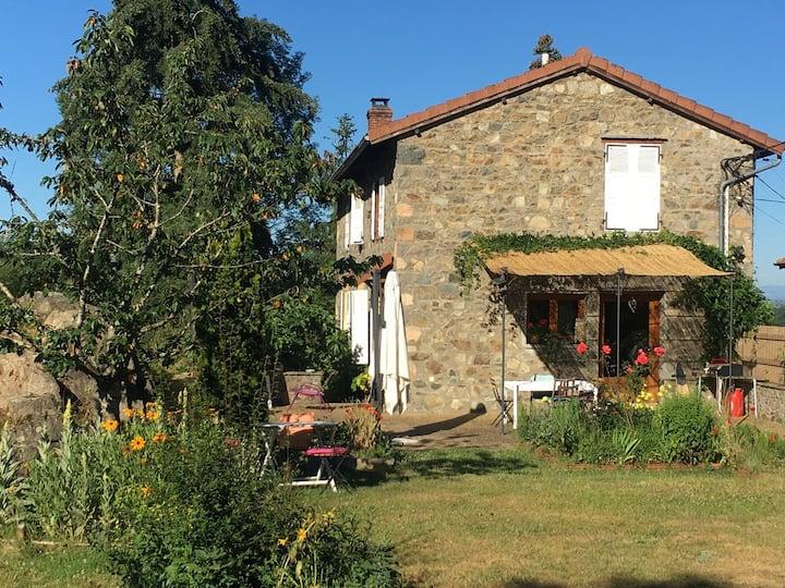 Maison terrasse et jardin, proche lac des sapins