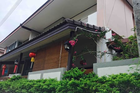 Homes for families Baan Fahsai TheCity 蓝天悦居独栋屋