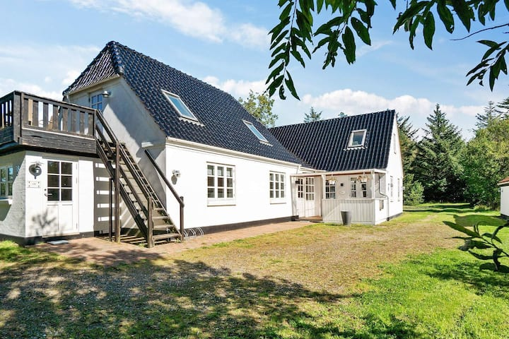 6 person holiday home in Bindslev