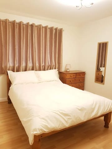 Double and Single Private room (2 Beds - 3 people)