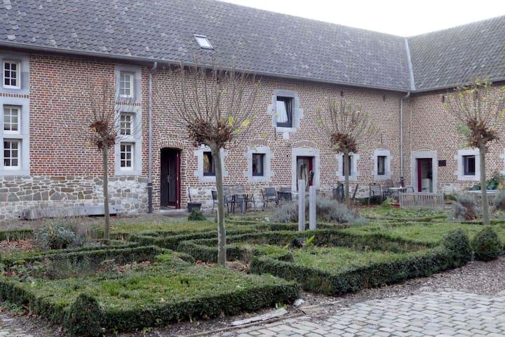 Cour d'Aix klein appartement 8
