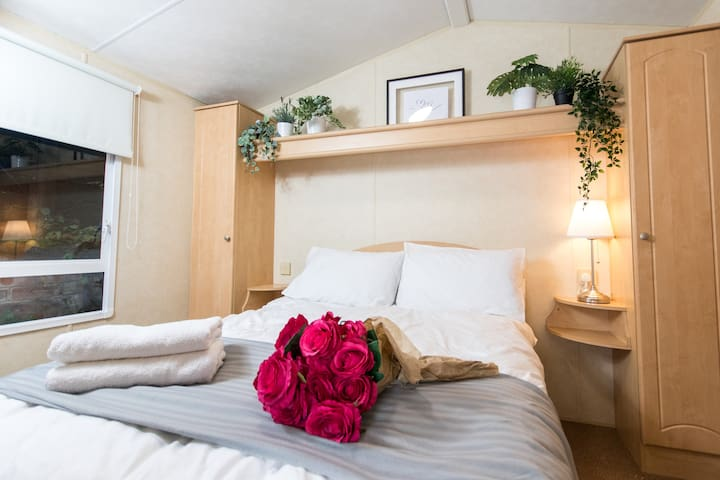 Master Bedroom - Comfy double bed with fresh linen