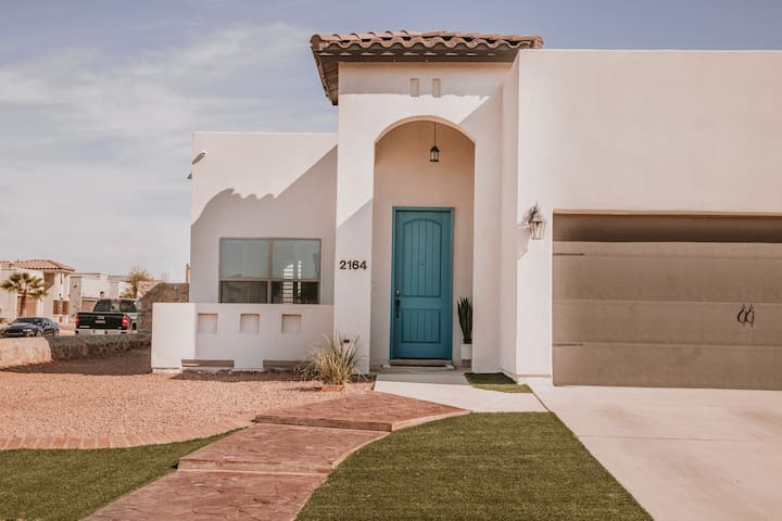 Urban Teal Casita- Entire El Paso Home