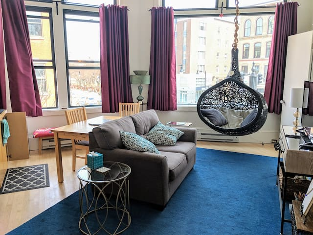 Stunning space in D'TOWN PROVIDENCE! Special RATE