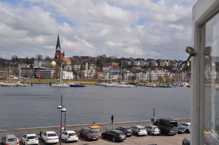 Hafenblick vom Kapitänshaus, 1. OG - Flensborg