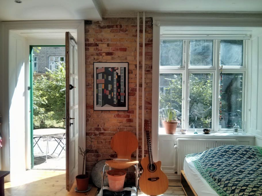 The two bedroom apartment has recently been turned into a studio, allowing more room and light!