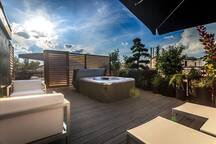 Design Silver room with Private Rooftop & Jacuzzi