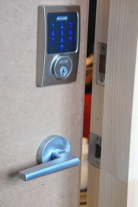 Meubl propre et accueillant condo mtl appartements for Meubles montreal decarie
