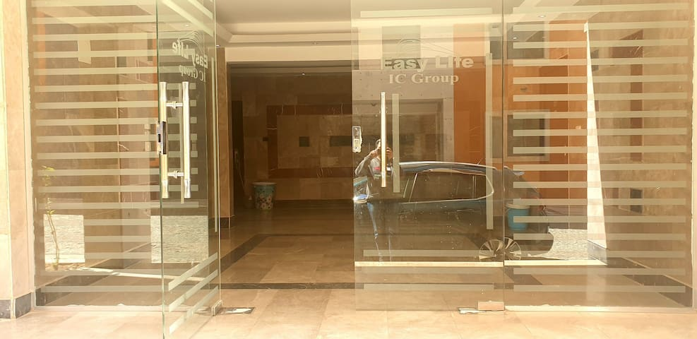 Suite in New CAIRO, walk to AUC and Point 90