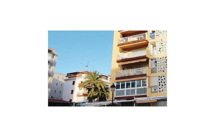 Holiday apartment with 3 bedrooms on 90 m² in Calella
