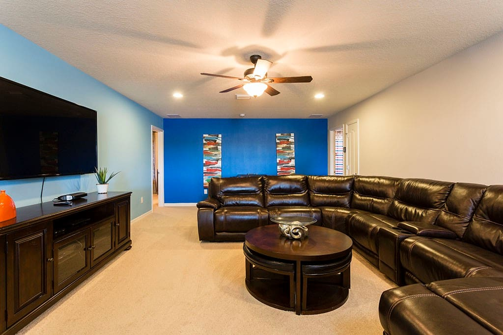 Sweet Home Vacation Rental Homes: 7 Bedrooms Pool Villa Windsor at Westside #9 (Living Room)