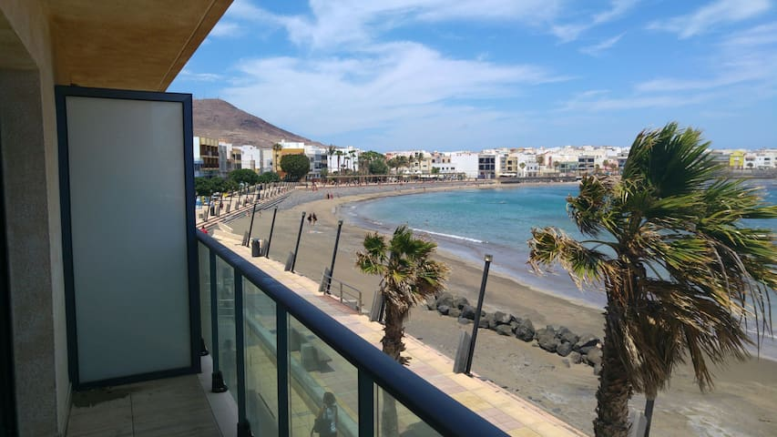 #New well appointed flat directly on Arinaga beach