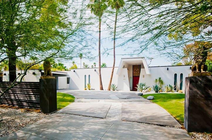 Casa Verona - Moroccan Modern Getaway