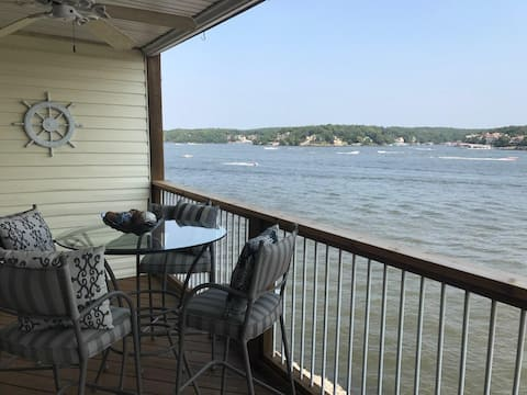 Beautiful 2 Level Condo with Main Channel Views!!