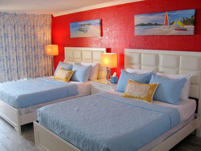 Oceanfront Prime Studio, Fully Remodeled, Spotless - Myrtle Beach - Condo