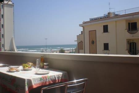 Romagna vista mare spiaggia libera - Римини - Квартира