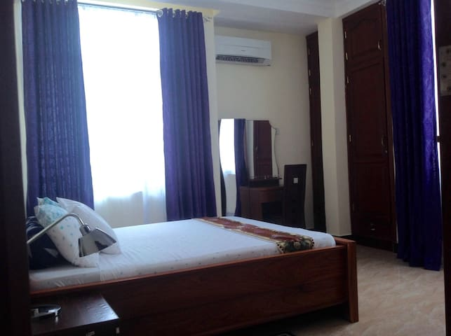 New room in a trendy part of Zanzibar Town (2/4)