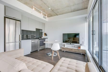 Hotel-Style Studio in Downtown Toronto