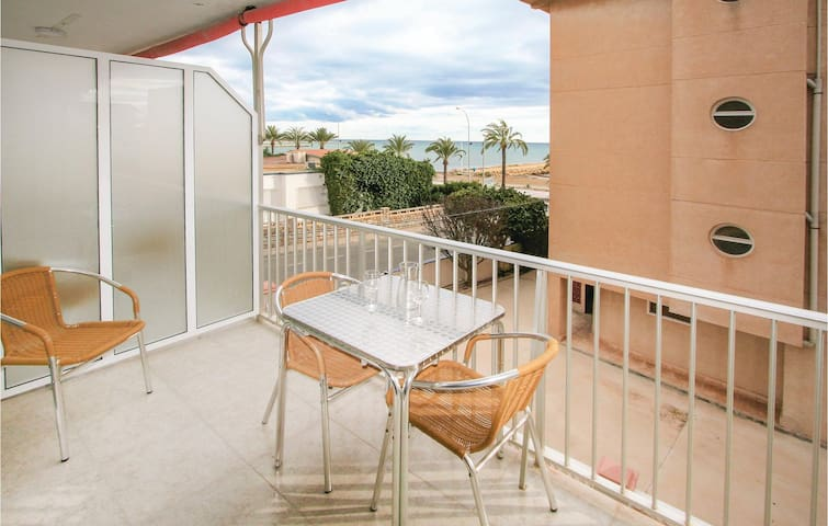 Holiday apartment with 2 bedrooms on 60m² in Santa Pola
