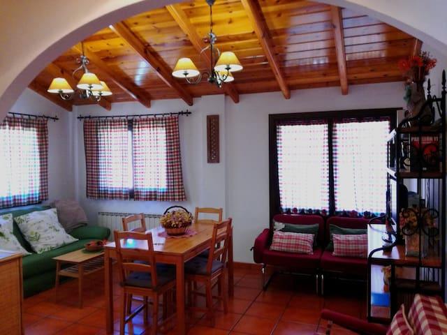 Apartamentos El Brezo 2º - Albarracín - Byt