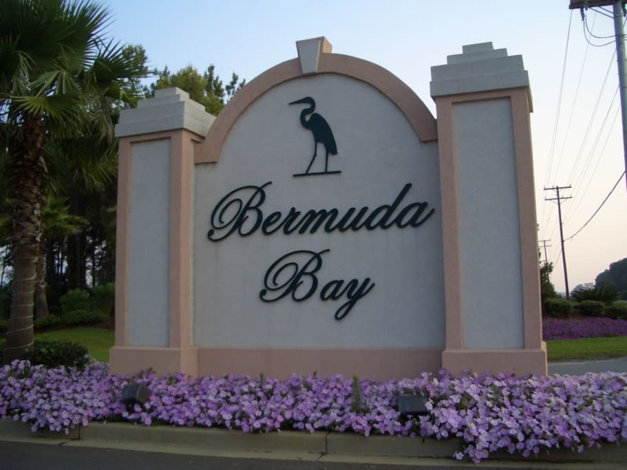 Bermuda Bay won the 2005 SC Parade of Homes best design. These 4000 s.f. homes are some of the most sought after rentals on the Grand Strand. They are in a very exclusive gated community within the also gated community of Oceanside Village.