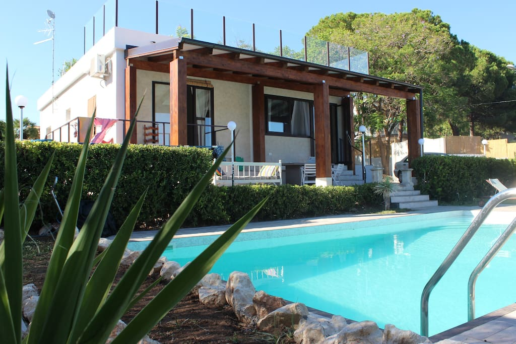 Single house swimming pool 300 m from the beach houses for Pool durchmesser 4 50