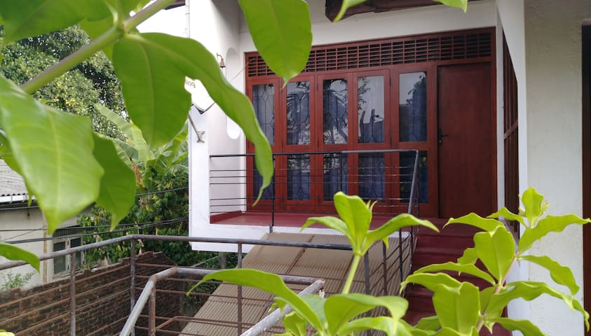 Colombo EI Team Guest House with Garden view