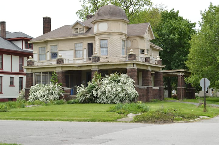 Historic Getaway - Kentland - Penzion (B&B)