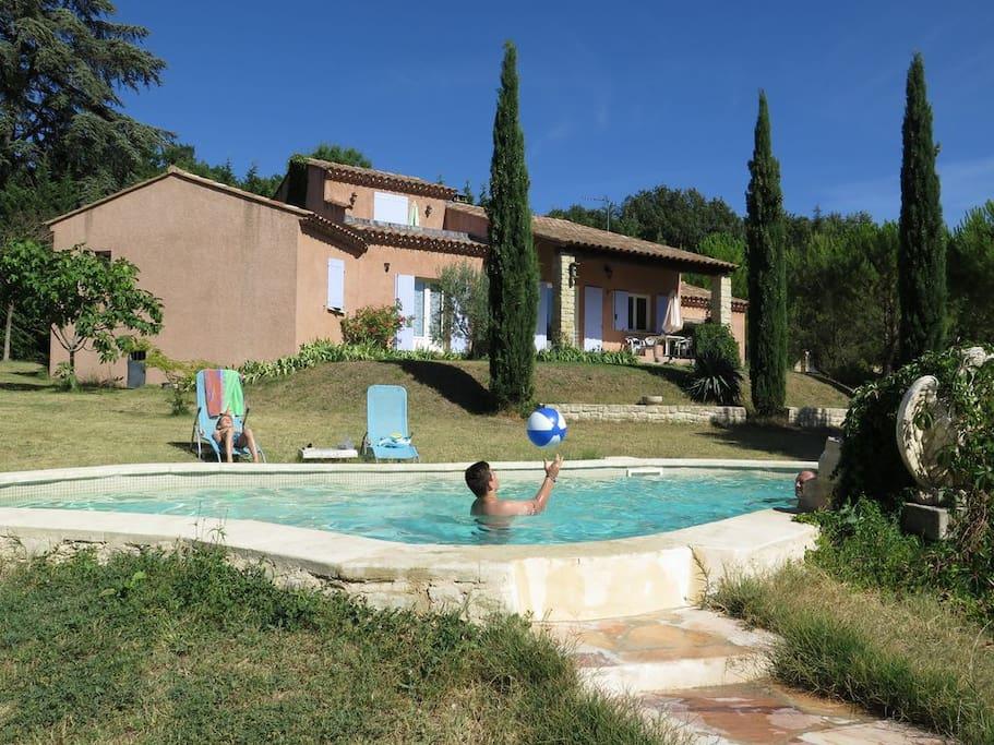 chambre d 39 h te dans villa avec piscine villas for rent