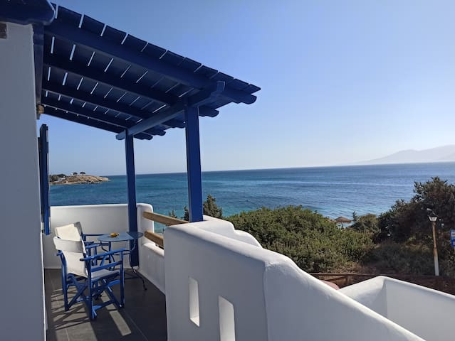 Αgia Anna Beach Apartment