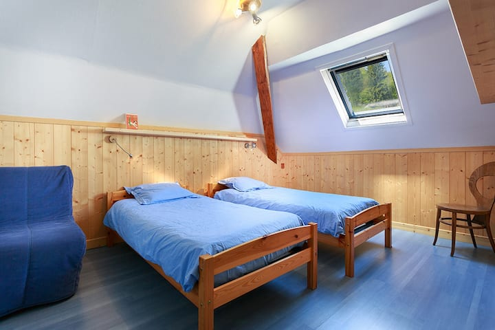 4-people bedroom - single beds