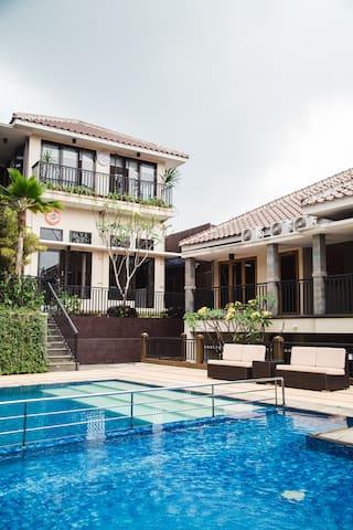 4 Bedroom Duplex Villa - Breakfast