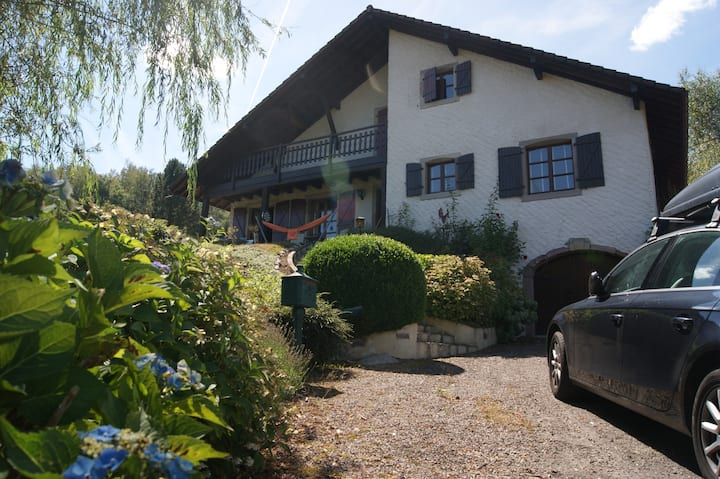 Large, full comfort, 5* Chalet-Style House