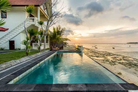 - Private room with seaview in Nusa Ceningan