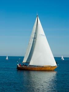 barca a vela Angelica - Monopoli
