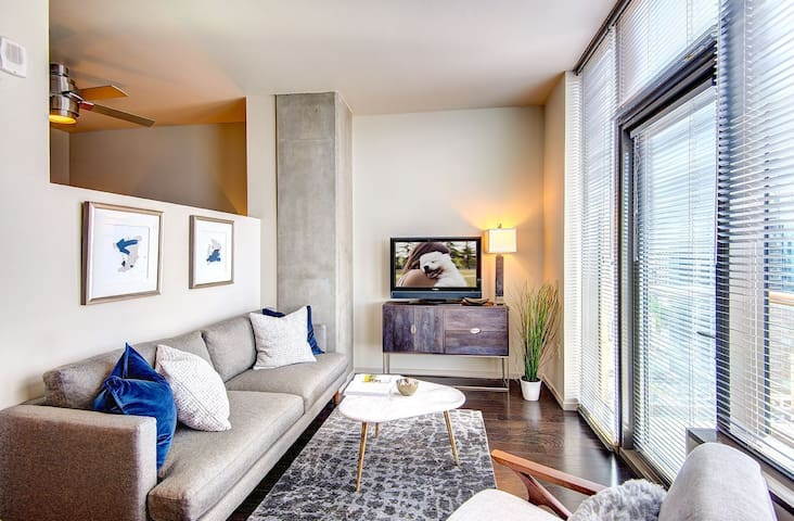 Live + Work + Stay + Easy | 2BR in Seattle