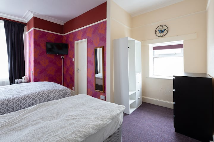 Comfortable and cosy room in the Twin N