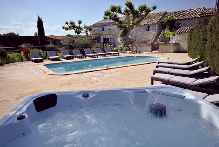 Gite 7 personnes avec piscine et jacuzzi - Richerenches - Pis
