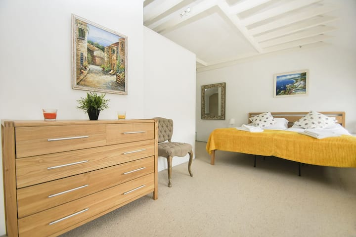 Mews House★ Close to seafront★ Free parking