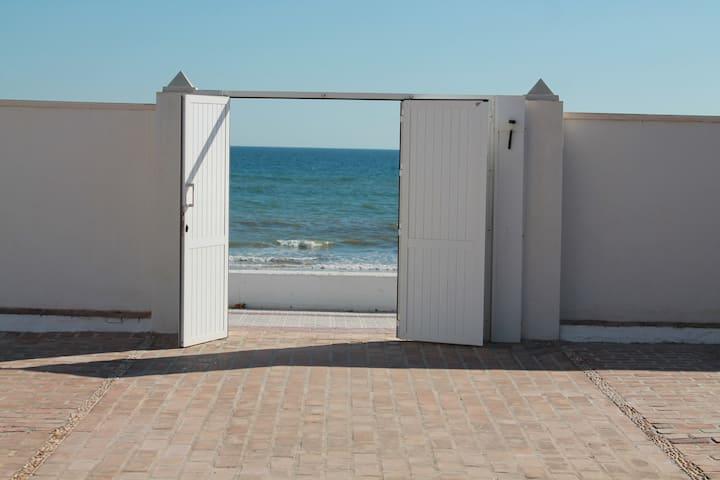 Apartamento en 1ª linea de playa (EN FAMILIA)