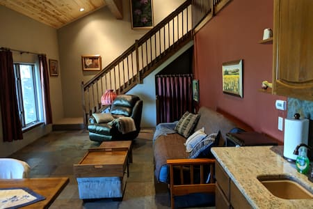 Loft near Hot Springs and close to Wolf Creek