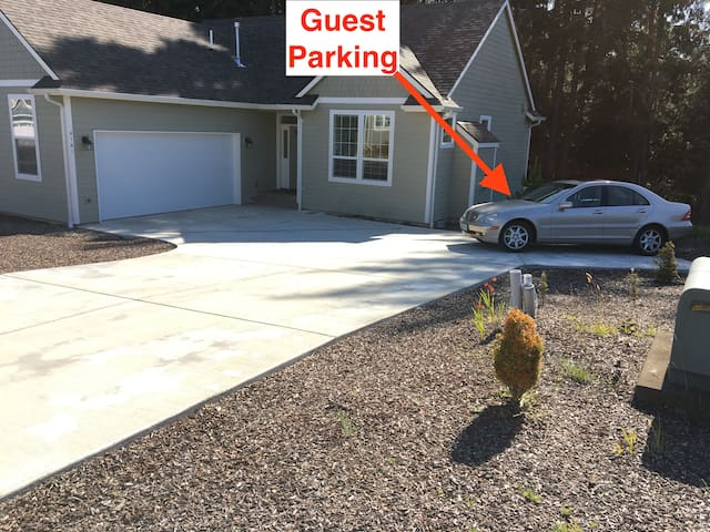 Guest parking. Single vehicle/SUV.  No Trailers/RVs.