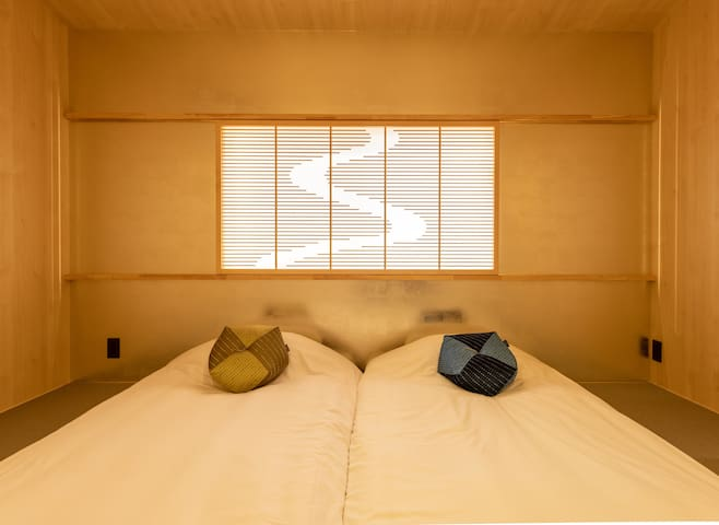 Tranditional Japanese bedroom 1. 傳統日式榻榻米房間 1。