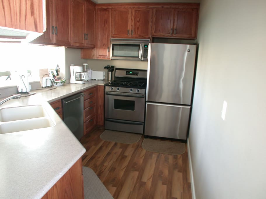 195 Main-Kitchen