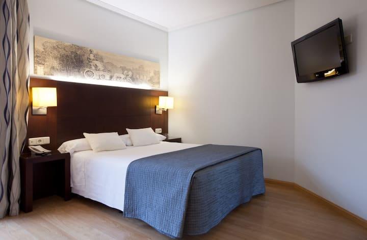 Amplia y luminosa habitación hotel larga estancia